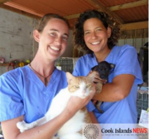 Australian vet Michelle Gray (left) and Esther Honey Clinic practice manager Amy Compton